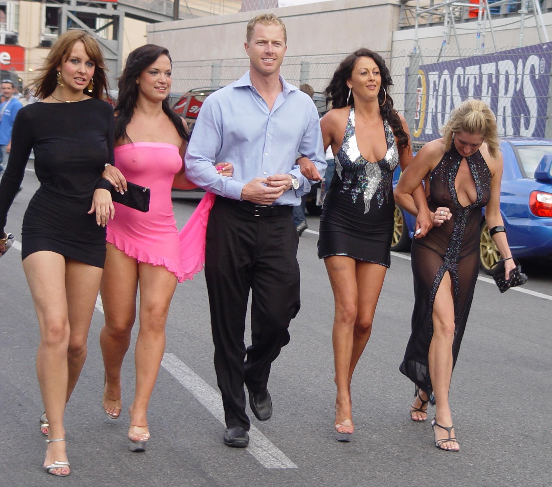 Проститутка у дороги 23 фотография